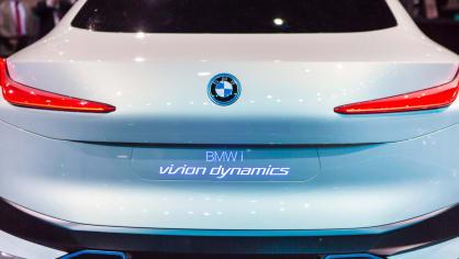 Působivé koncepty BMW na stánku ve Frankfurtu 23