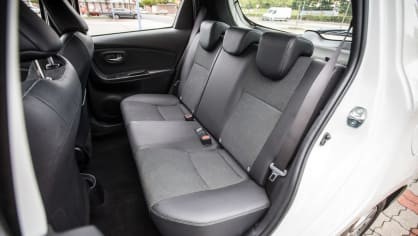 Toyota Yaris 1.5 VVT-iE interiér 3