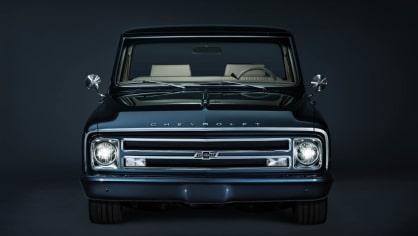 Chevrolet perfektně zrestauroval model C-10 z roku 1967. 3
