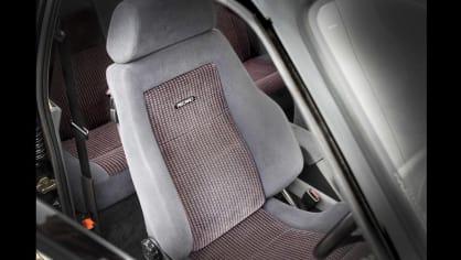 Ford Sierra RS500 Cosworth je vyhledávaná rarita. 15