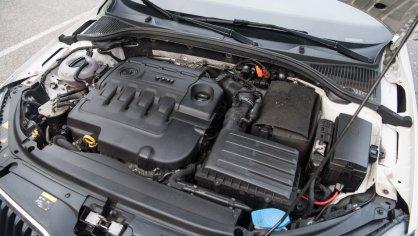Škoda Octavia RS TDI interiér 8