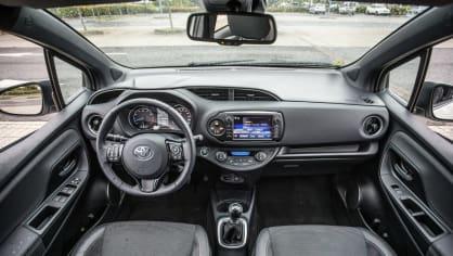 Toyota Yaris 1.5 VVT-iE interiér 5
