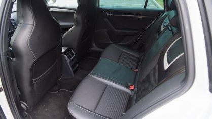 Škoda Octavia RS TDI interiér 6