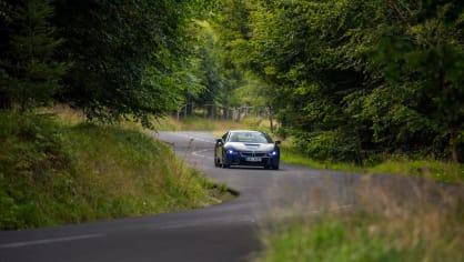 Provětrali jsme hybridní BMW i8 v edici Protonic Frozen. 9