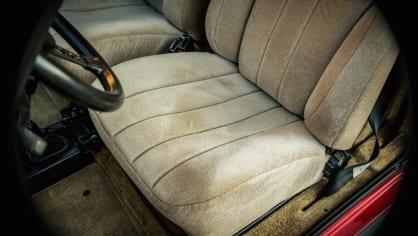 Renault 5 Turbo ve vzácné verzi Evolution. 45