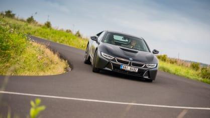 Provětrali jsme hybridní BMW i8 v edici Protonic Frozen. 6