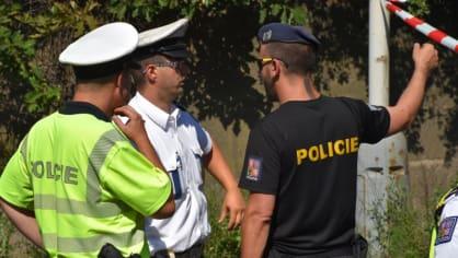 Policie ukázala drsnou honičku v Praze. Agresivní řidič na drogách zničil čtyři auta 9