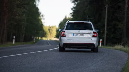 Nová Škoda Octavia RS 245 v pohybu. 12