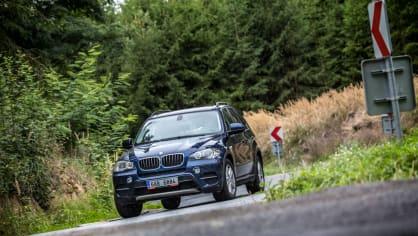 BMW X5 xDrive30d jízda 8