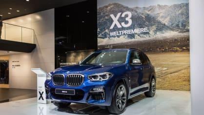 Novinky BMW na stánku ve Frankfurtu. 19