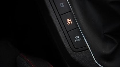 SEAT Ibiza FR 1.0 TSI interiér 6