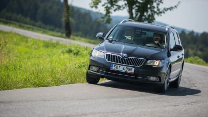 Škoda Superb Combi 2014 17