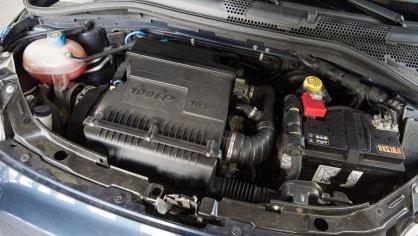 Fiat 500 1.4 16v interiér 9