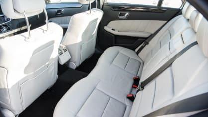 Mercedes-Benz E220 CDI interiér 6