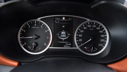 Nissan Micra 0.9 IG-T interiér 5