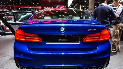 Novinky BMW na stánku ve Frankfurtu. 13