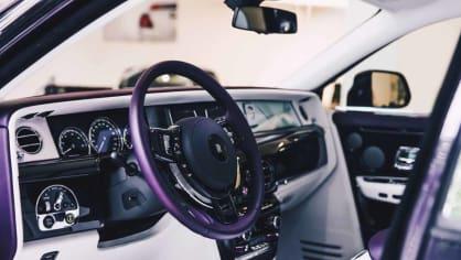 První Rolls-Royce Phantom už je na prodej. Fialový s bílou kůží 7