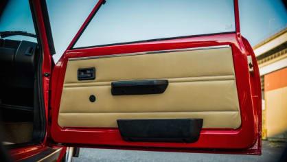 Renault 5 Turbo ve vzácné verzi Evolution. 46