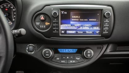 Toyota Yaris 1.5 VVT-iE interiér 7