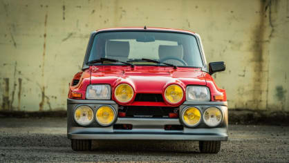 Renault 5 Turbo ve vzácné verzi Evolution. 2