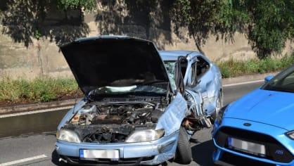 Policie ukázala drsnou honičku v Praze. Agresivní řidič na drogách zničil čtyři auta 11