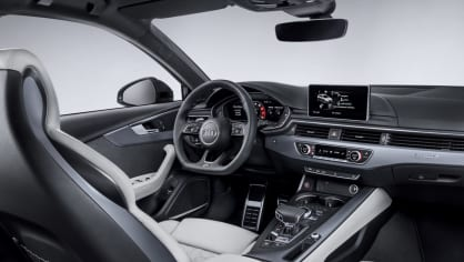 Audi RS4 Avant 25