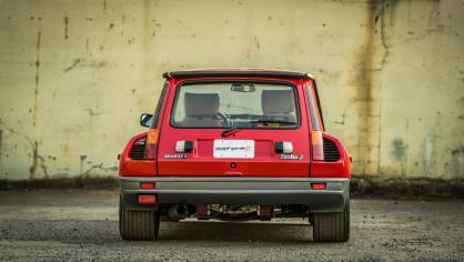 Renault 5 Turbo ve vzácné verzi Evolution. 6