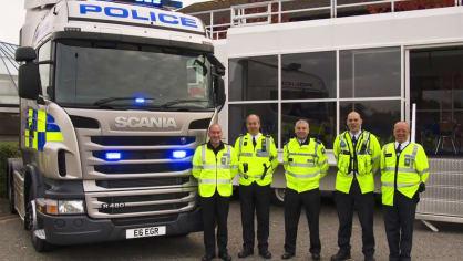 Řidiče kamionů hlídají maskované policejní tahače 8