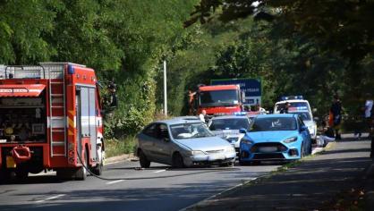 Policie ukázala drsnou honičku v Praze. Agresivní řidič na drogách zničil čtyři auta 8
