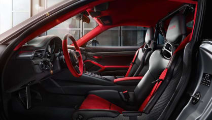 Porsche 911 GT2 RS 5