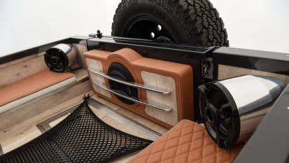 Land Rover Defender v úpravě od Startech. 5