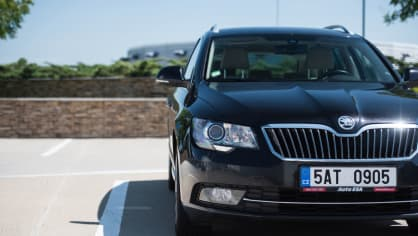 Škoda Superb Combi 2014 3