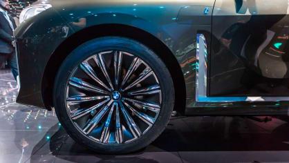 Působivé koncepty BMW na stánku ve Frankfurtu 27