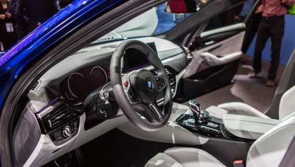 Novinky BMW na stánku ve Frankfurtu. 14