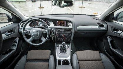 Audi A4 Allroad 2.0 TDI CR interiér 5