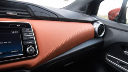 Nissan Micra 0.9 IG-T interiér 7