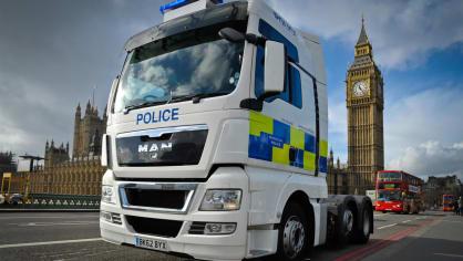 Řidiče kamionů hlídají maskované policejní tahače 3