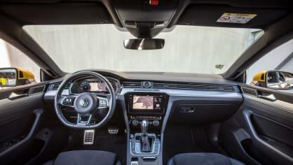 Volkswagen Arteon R-Line 2.0 TSI interiér 8