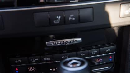Mercedes-Benz E220 CDI interiér 2