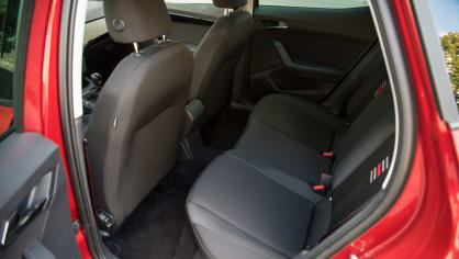 SEAT Ibiza FR 1.0 TSI interiér 9