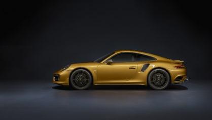 Zlaté Porsche 911 Turbo S Exclusive 12