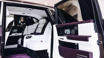 První Rolls-Royce Phantom už je na prodej. Fialový s bílou kůží 5