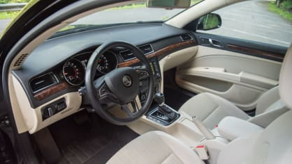 Škoda Superb Combi 2014 Interier 2