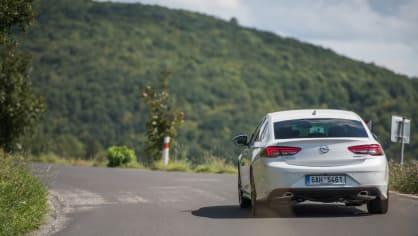 Opel Insignia Grand Sport 2.0 Turbo 4x4 jízda 11