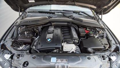 BMW 530i E60 interiér 10