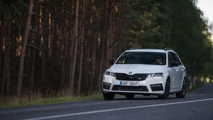Nová Škoda Octavia RS 245 v pohybu. 11