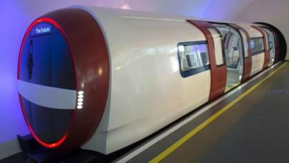 Až se v Praze jednou dostaví nová trasa metra D, dost možná se v něm budou prohánět i takováto monstra (takže nikdy). Kvalita, originální vizuální dojem a maximální pohodlí pro pasažéra, to jsou klíčová slova, jimiž se vyznačuje koncept vlakové soupravy.
