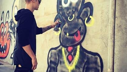 Za svoji kresbičku v Riu musel zaplatit pěknou pokutu. Jednalo se o vandalismus