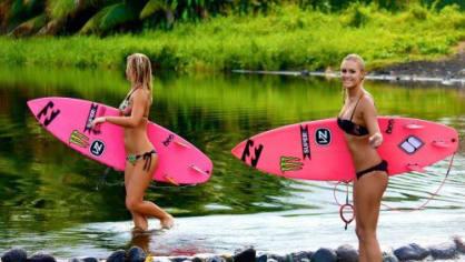 Surfařky jsou prostě sexy
