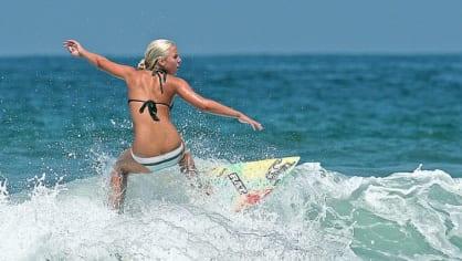 Surfařky jsou prostě kočky